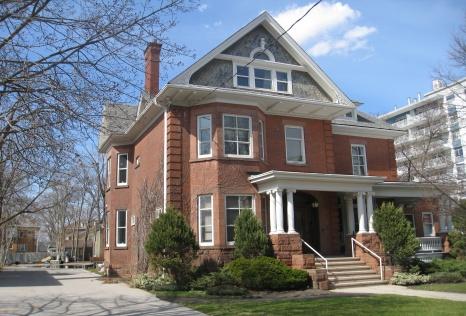 London Ontario Downtown Apartment Rental 380 Queens Avenue Unit 4